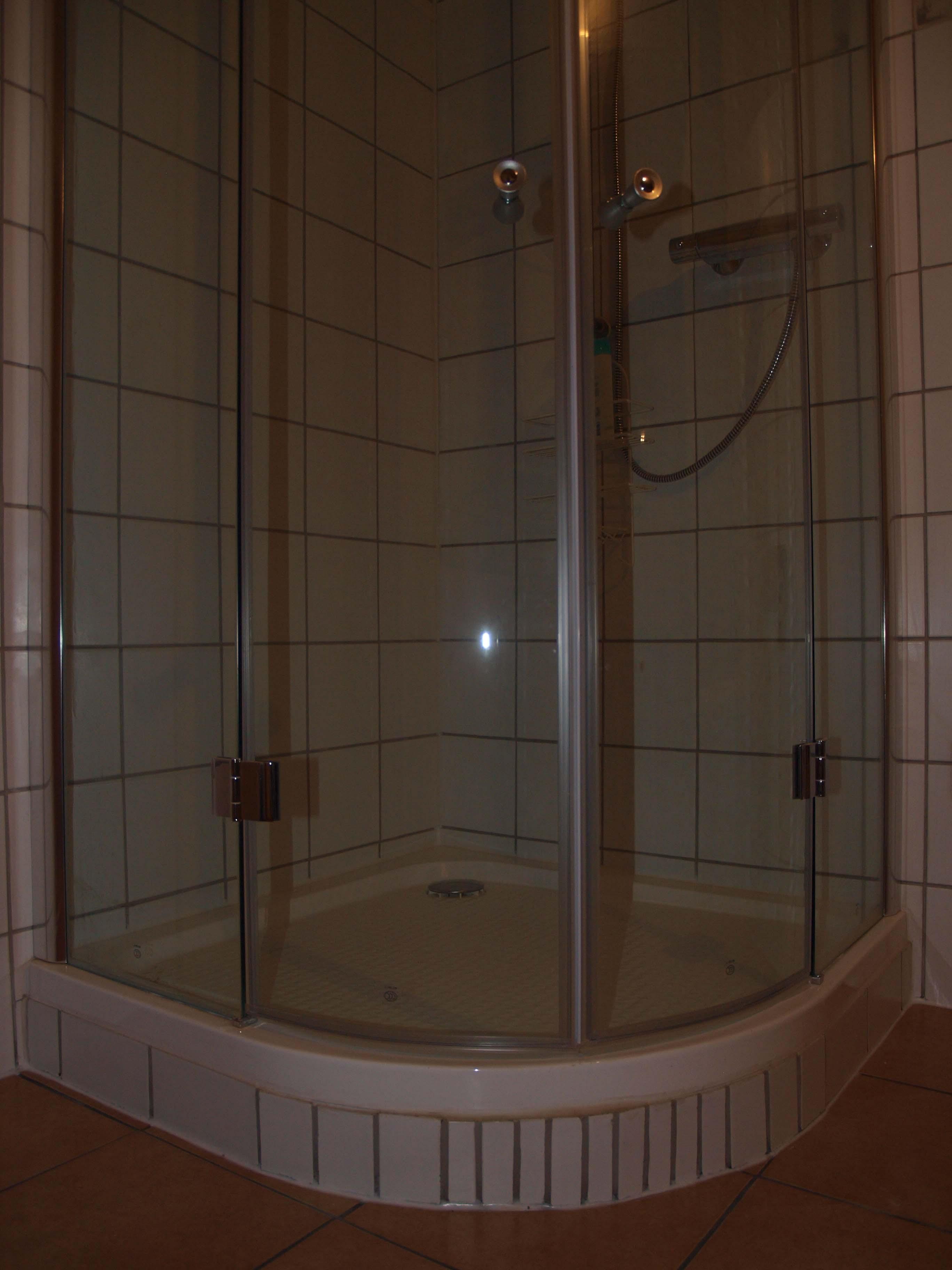 Badezimmer Teilgefliest – vitaplaza.info